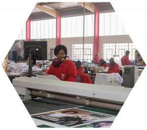TST precision cutting on the flatbed | Cutting fabric at the TST factory